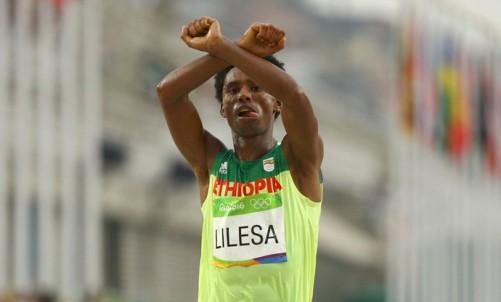 2016-08-21t154058z_1206937409_rioec8l17k7ah_rtrmadp_3_olympics-rio-athletics-m-marathon