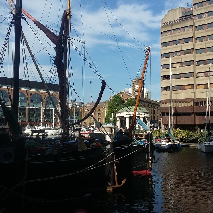 St. Katharine Docks, Tâmisa, Segredo de londres