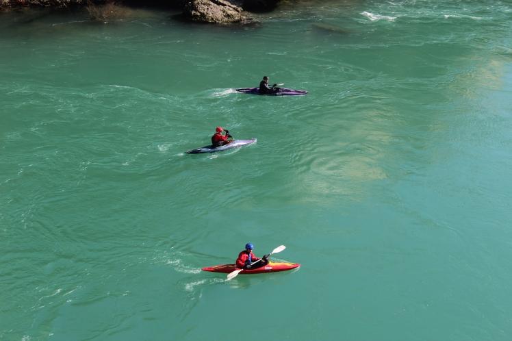 Rio Neretva e sua agua lindissima em Mostar - Bosnia Herzegovina