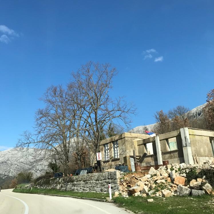 Dirigir na Bosnia Herzegovina - Achamos seguro e com ótimas estradas