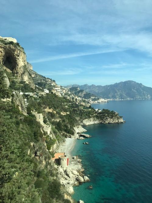 de onibus pela Costa Amalfitana. Uma das rotas mais lindas do mundo