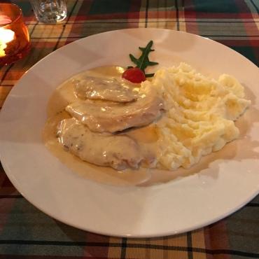 Frango e pure de batatas