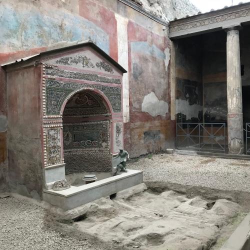 Casa da Fonte Pequena - Pompeia 2018