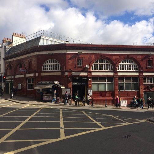 Um tour por Hampstead, Londres -  Hampstead Station