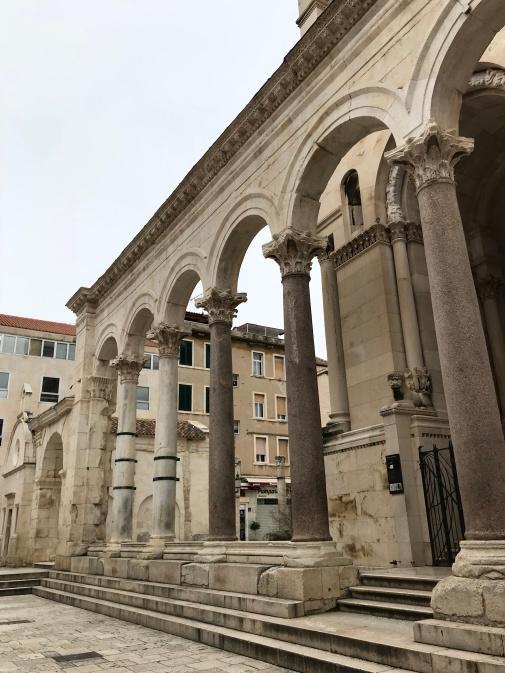 Perestilo no Palacio Diocleciano - Foto Autoral