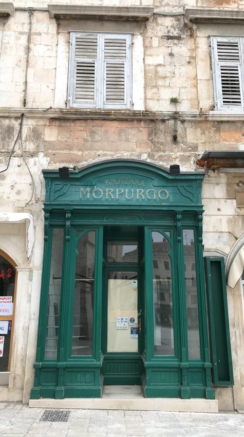 livraria MORPUNGO em Split, a mais antiga da Europa, desde 1860